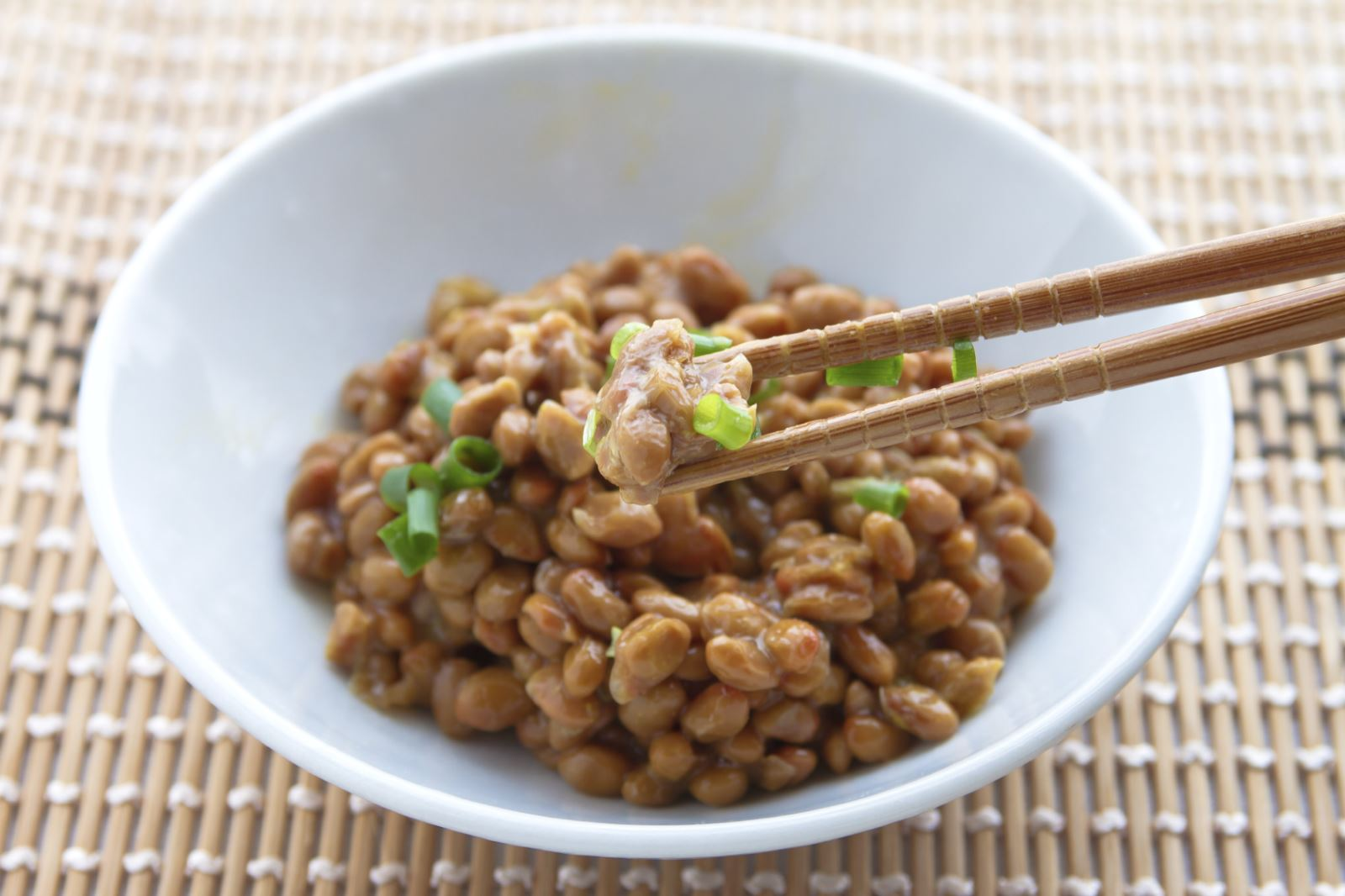 vien-uong-chong-tai-bien-dot-quy-nattokinase-nhat-ban